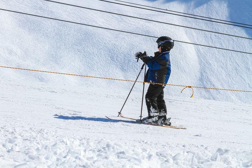 Nauka jazdy na nartach dla dzieci – kiedy i jak?
